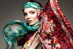 Scarves – the most common fashion accessory